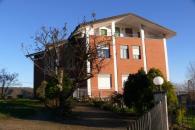 Rueglio - Stabile in vendita con terreno edific...